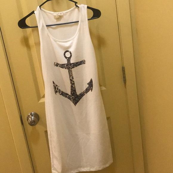 Dresses & Skirts - Super cute sundress 👌🏽❤️